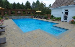 Pools & Water Features 32
